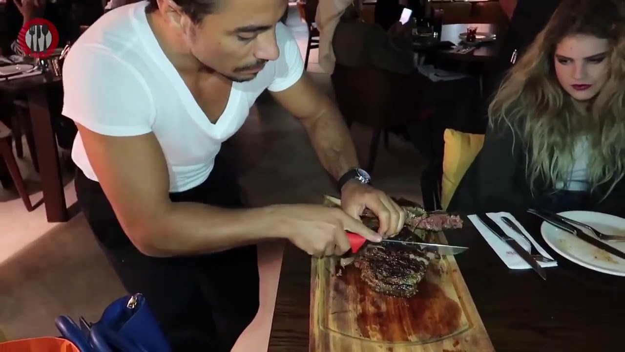 The World39s Famous Turkish Chef Salt Bae Serving Meat in nusr et Steakhouse 720p